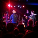 Kiefer Sutherland band crushing it at Moe's Alley by @waitingforzombies